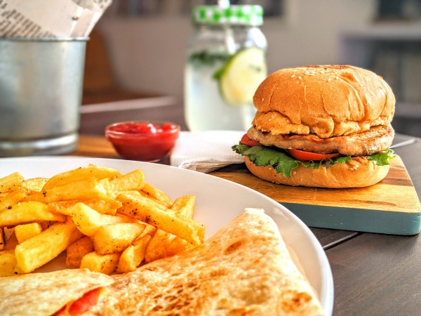 chicken-burger-mango-salsa-rezept