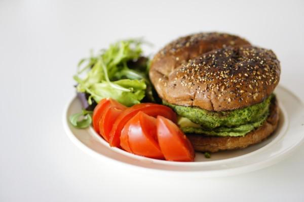 vegetarischer-kartoffelpuffer-burger-rezept